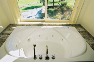 vintage_post_beam_tub